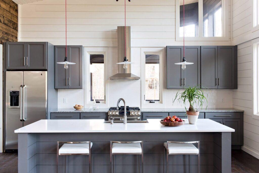 отсровная кухонная мебель