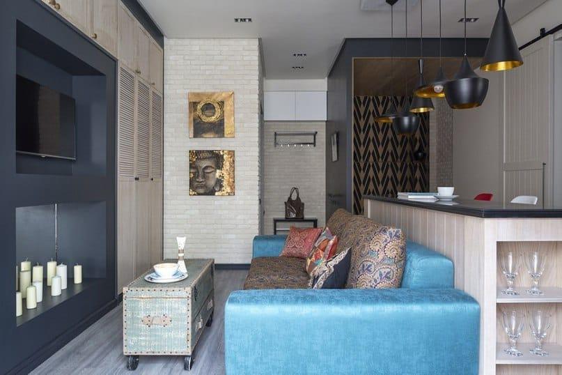 диван и кухня