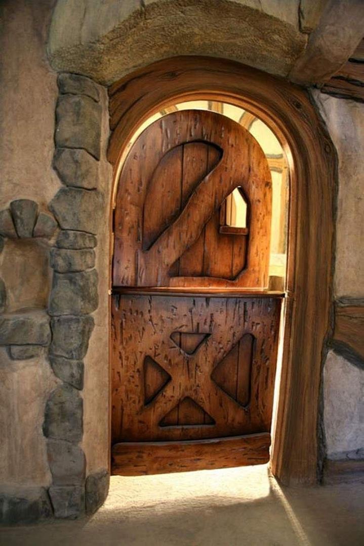 дверь из двух частей