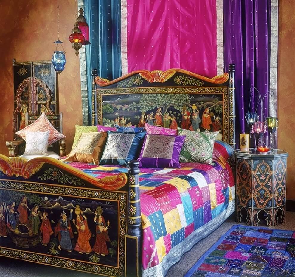 картина на изголовье кровати