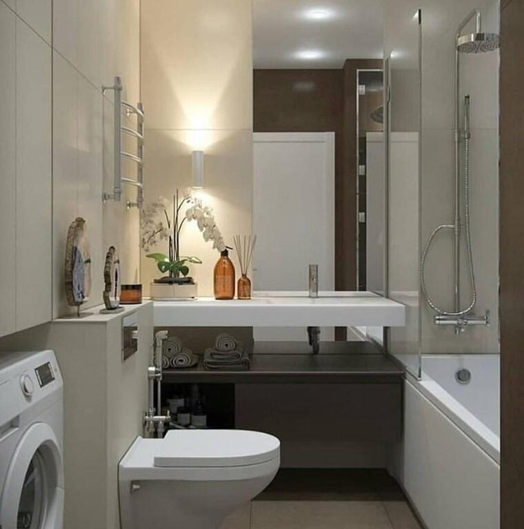 белая орхидея в ванной комнате