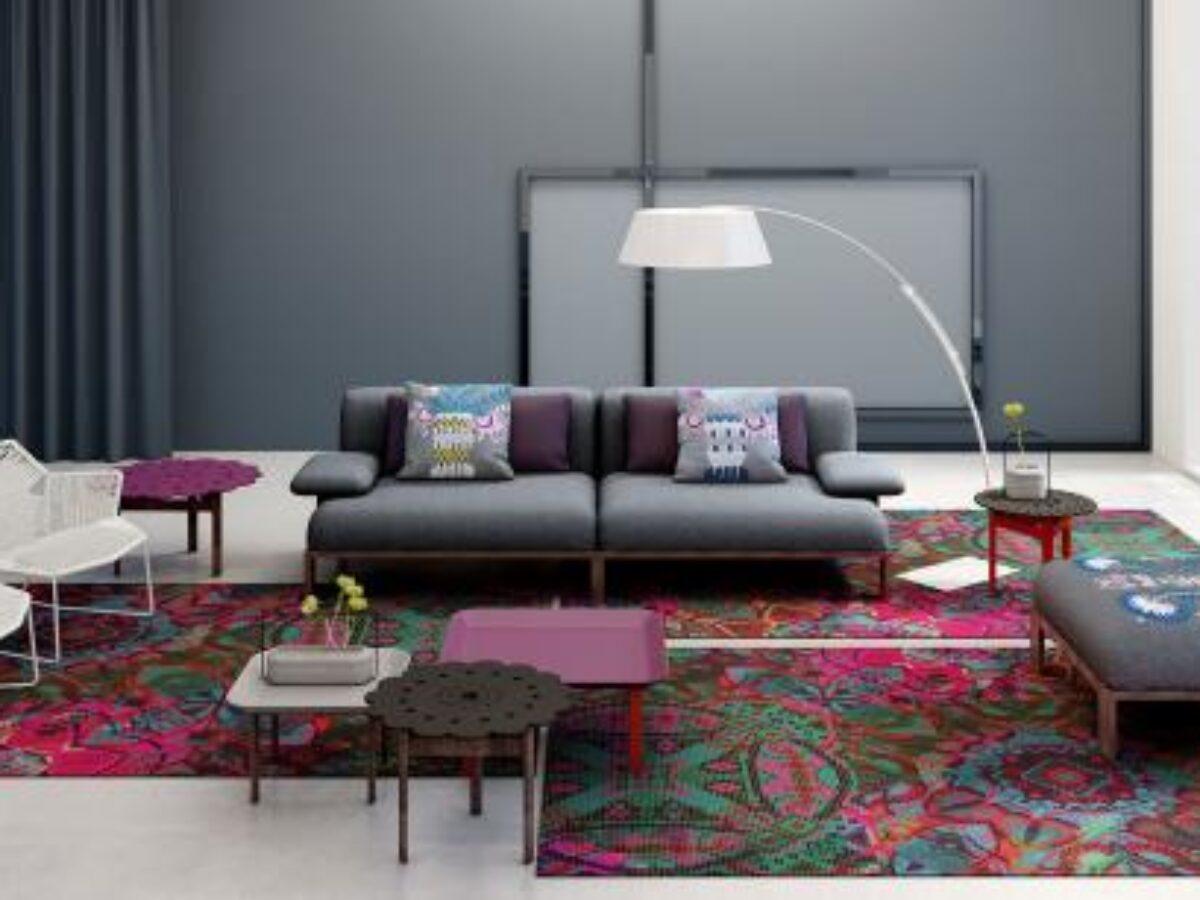 серый диван на два места