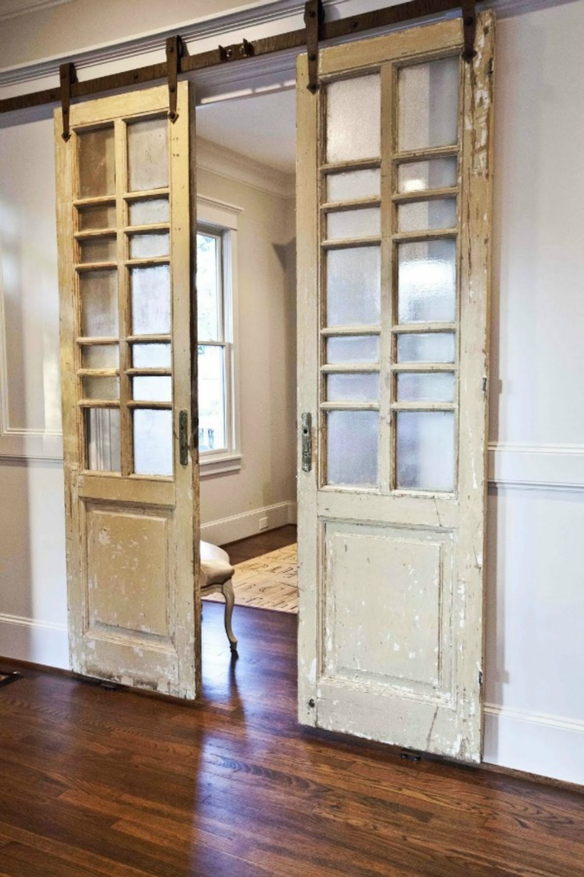 двери с стеклами