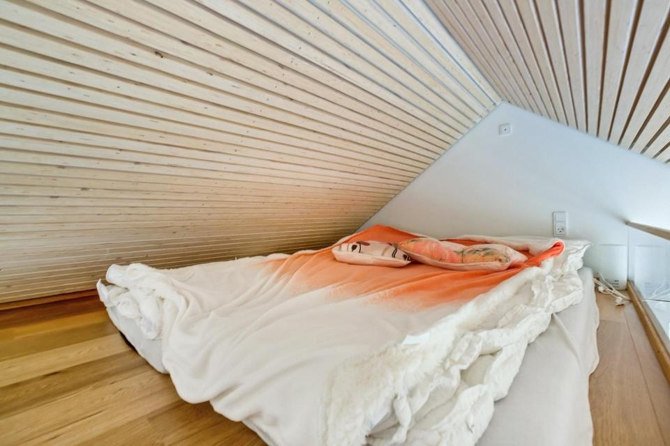 кровать в лофте