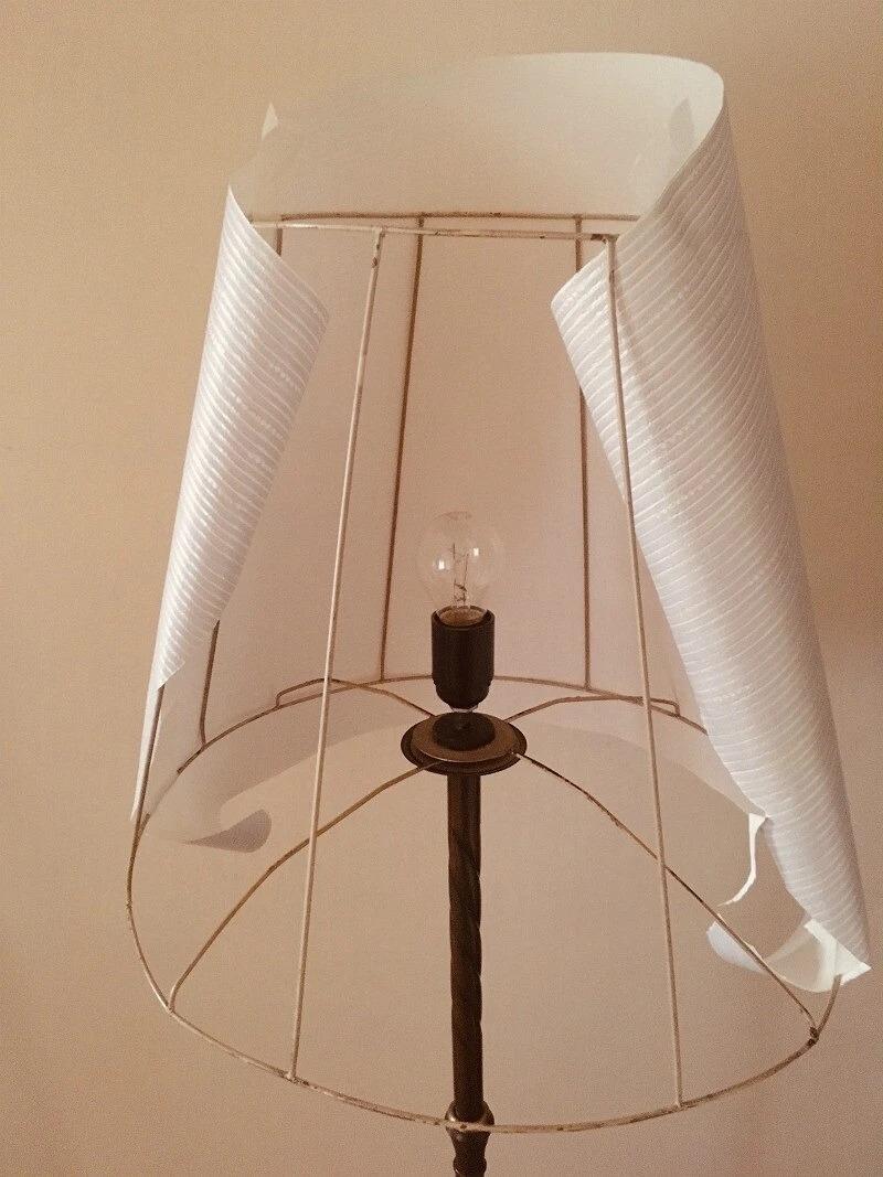 Лампочка и бумага